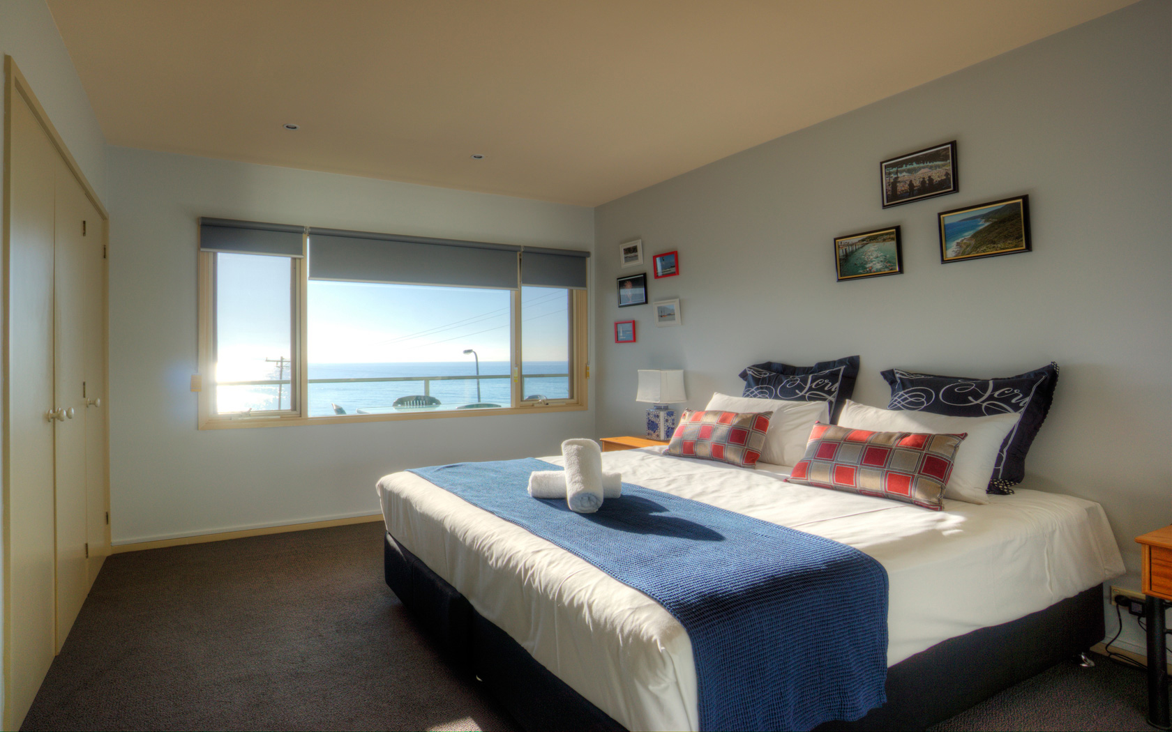 Pierview apartments ocean view apartments lorne for 2 master bedroom apartments